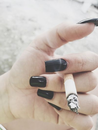 Chilling Smoking Marlboro Red Dyinginside Nails Black