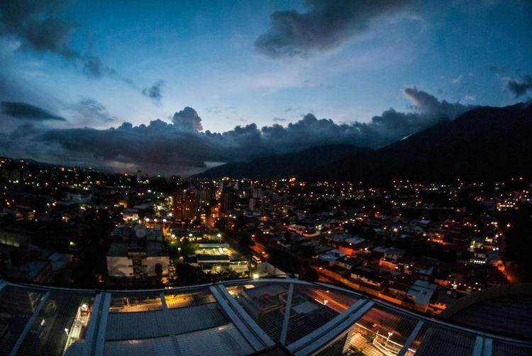 Battle Of The Cities Caracas de noche Venezuela Landscape