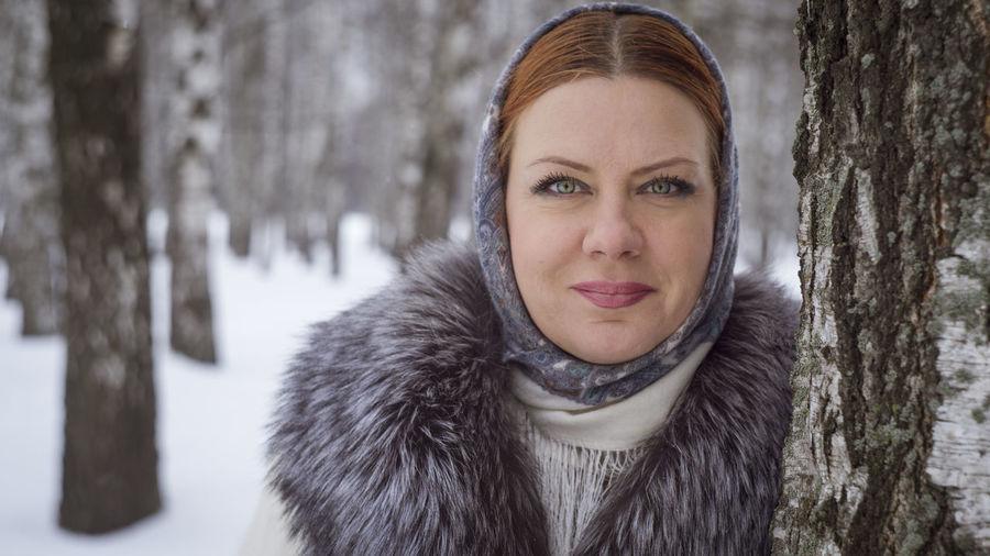 Зима Minsk Minsk,Belarus PENTAX K-1 Portrait Of A Woman DenisBurmakin Helios Portrait Photography Full Frame Fashion Family Young Women Fine Art Portrait Snowfall Winter Coat EyeEmNewHere