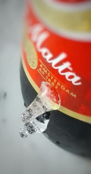 Hielo. Ice Relaxing Taking Photos Enjoying Life Relaxing Cheese! Winter Light Ice Beer Ice Beer Beer Time