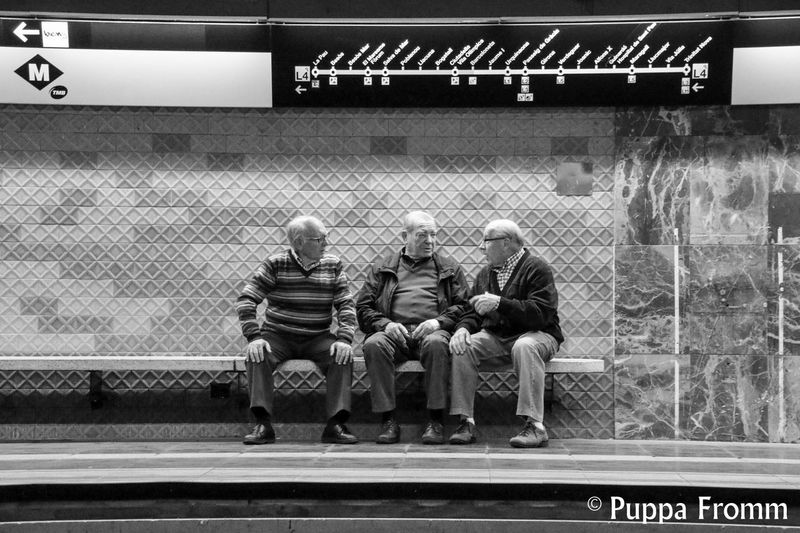Barcelona Barcelonalove Children Cigarettes Dogs Flewmarket Flohmarkt Mentatwork Metro Metrostation Newspaper Oldman Oldwoman Police Reading Roller Sitting Outside Smoking Street Photography Streetphotography The Street Photographer - 2016 EyeEm Awards Waiting For A Train Adapted To The City This Is Aging