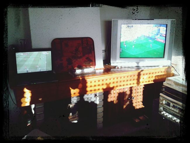 Multiscreen, multimatch Watching Football Daily Life 21st Century