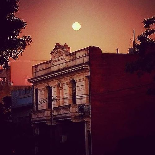 Luna En La Mañana Moon Like The Street Photographer - 2017 EyeEm Awards