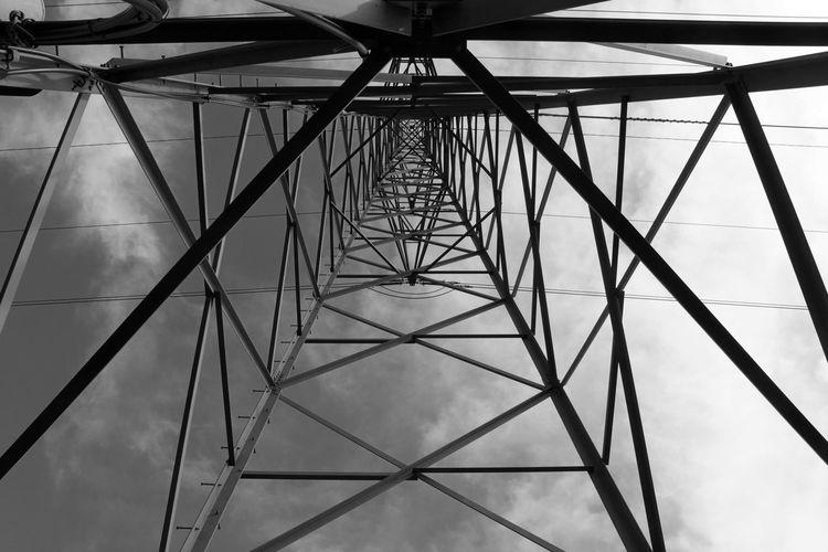 Konstruktion Blackandwhite Outdoors Schwarzweiß 7280m Girder Electricity Pylon Steel Symmetry Cable Silhouette Pattern Sky