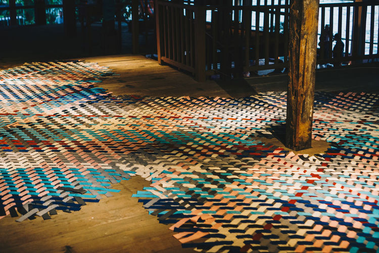 Flooring Indoors  Pattern Multi Colored Architecture Wood Wood - Material Day Building No People Carpet - Decor Tile Arcade Corridor Hardwood Floor Architectural Column Tiled Floor Absence Empty