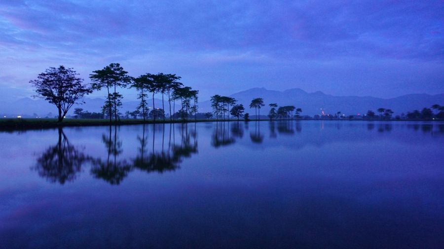 before sunrise Water Lanscape Photography Sunrise Sunrise Silhouette Landscape Power In Nature Indonesia Photography  Sky Slowshutter Astronomy Blue Lake Silhouette Infinity Countryside Standing Water