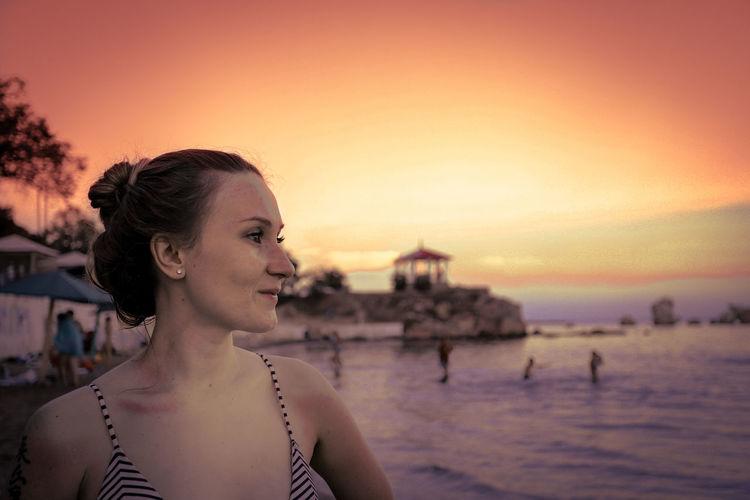 Sundown portrait EyeEm Selects Girl Female Woman Beach Beachphotography Young Women Beauty Sunset Water Beautiful Woman Portrait Women Beautiful People Sea Beach Shore Idyllic Silhouette Tranquil Scene Orange Color Countryside Ocean Non-urban Scene Calm Dramatic Sky Shining Atmospheric Mood Horizon Over Water Sun My Best Photo
