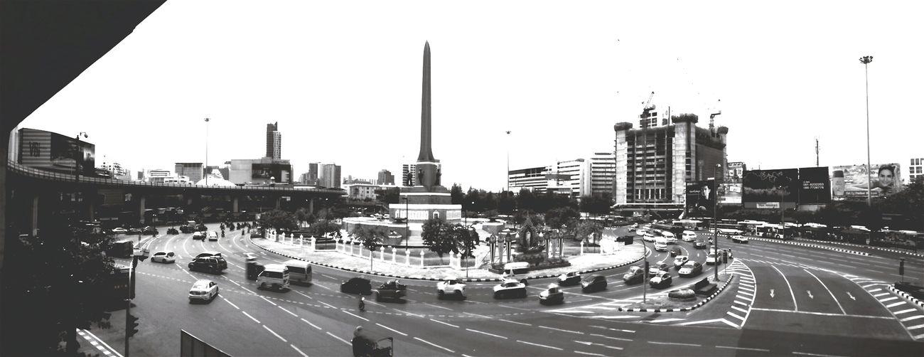 N e x t station | Victory Monument. Streetphotography Streetphoto_bw Streetart Steeringwheel Photostreet Victory Monument Thailand Bangkok Bangkok Thailand.