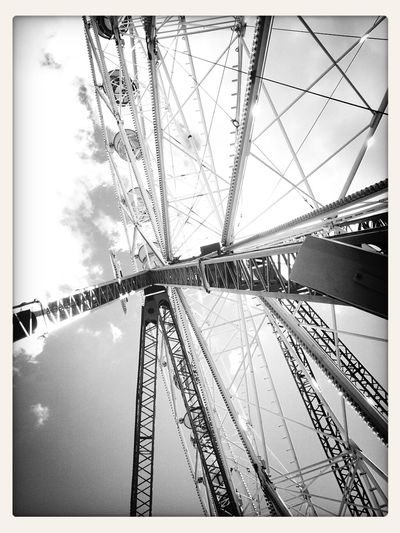Riesenrad - Mobile Photography Blackandwhite Sky Ferris Wheel