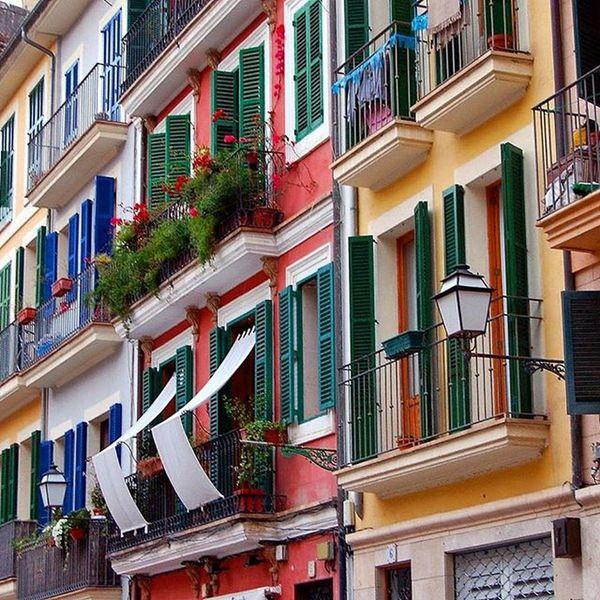 Einmal wieder durch das alte Palma schlendern. *sigh* Palmademallorca Mallorca Colors Colorful Isladebaleares Balearen