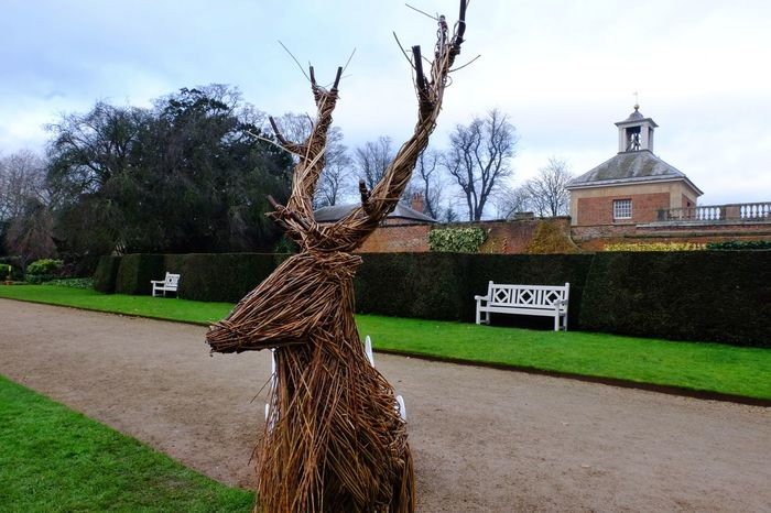 Beningbrough Hall Nationaltrust National Trust Sculpture Animal Stag Architecture