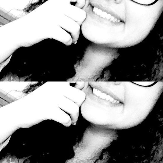 Gülmek Şart