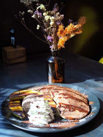Pancake Flower Sweet Pie Tree Fruit Tart - Dessert Dessert Vase SLICE Plate Table Powdered Sugar