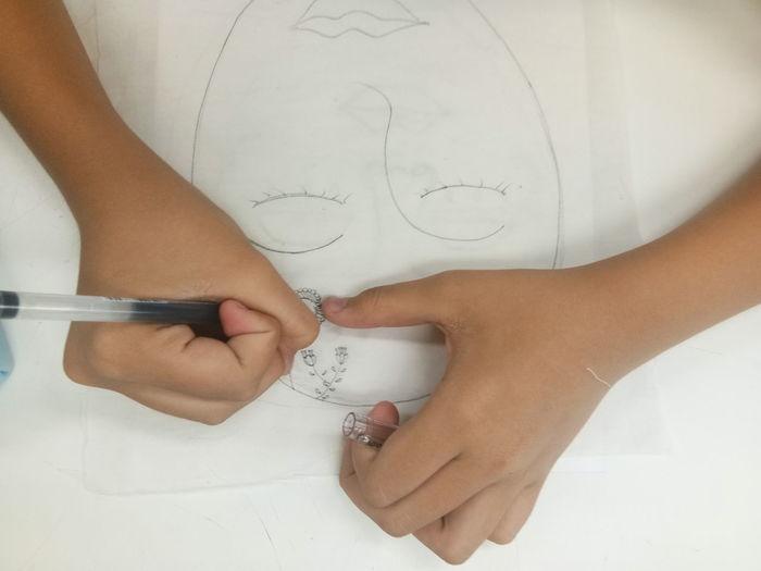 Drawing EyeEm Selects Human Hand Young Women Close-up Drawing - Art Product Hand Chalk Drawing Pencil Drawing Drawn Art Class