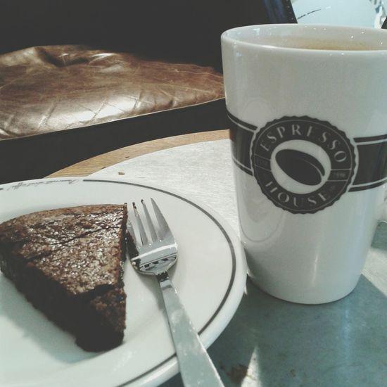 Svenska Drinking A Latte Espressohouse Schokokuchen