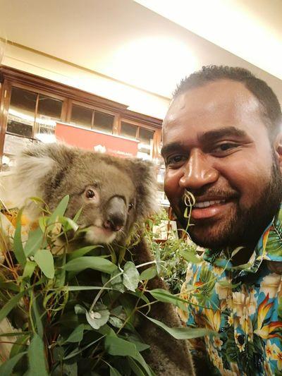 A Pacific Islander (Fijian) meets an Australian. G'day mate!! 😉😁