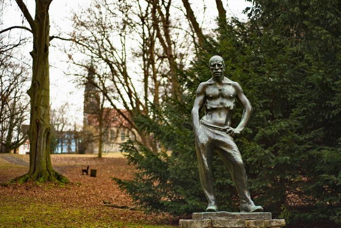 Tree Statue Sculpture Outdoors No People Headwear Warrior - Person Day Thuringen Deutschland. Dein Tag GERMANY🇩🇪DEUTSCHERLAND@ City Germany Travel Destinations Altenburg Thuringia Germany🇩🇪 German Lindenau Museum