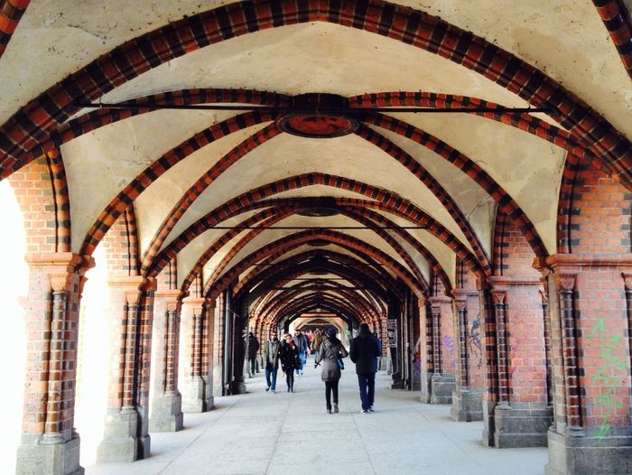 Walking Around Streetphotography Vanishing Point Perspective Crossing The Bridge Architecture My Berlin