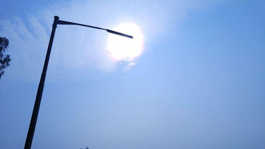 Noon Noontime  Sun Glare Sun Lamppost Lamp Post