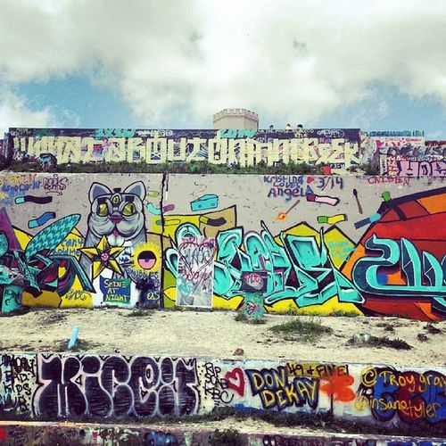 Took lot of graffiti pictures. Meet lot of artists ☆ gonna share pictures soon ☆ SamoSoviet Austin Texas Keepitwierd