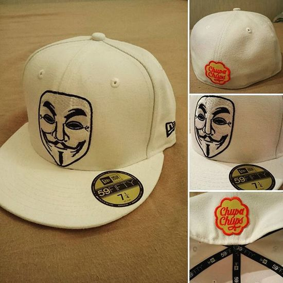 59fifty Neweracap Newerabasic NewEra Anonymous Vforvendetta  Guyfawkes  Chupachups Completed New Era white basic 7 1/4 fitted. Unique piece. I guess more to follow!