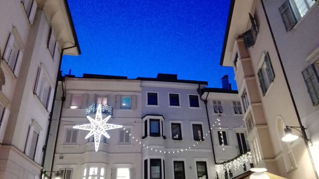 Hello World Bozen I Love Bolzano -bozen Cristmas CRISTMAS💙 Cristmas Tradition Cristmas Time♥ Cristmas Around The World No Filters Or Effects Sunset_collection Sunset Blue Sky Sudtirolo Suitcase Architecture_collection Architecture