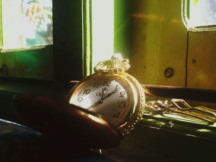 Time teaches us about everything Depth Of Field Still Life EyeEm Best Shots EyeEm Indonesia Eye For Photography Mobile Photography AMPt_POTD INDONESIA Indonesia_photography Open Edit