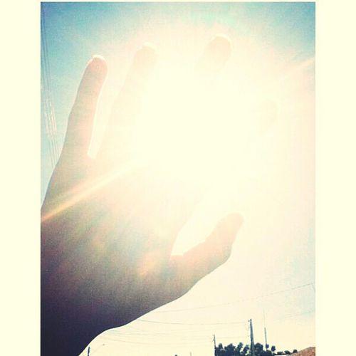 hoje eu to tão bem, tão bem, tão bem.. acordei com o sol me dando bom dia