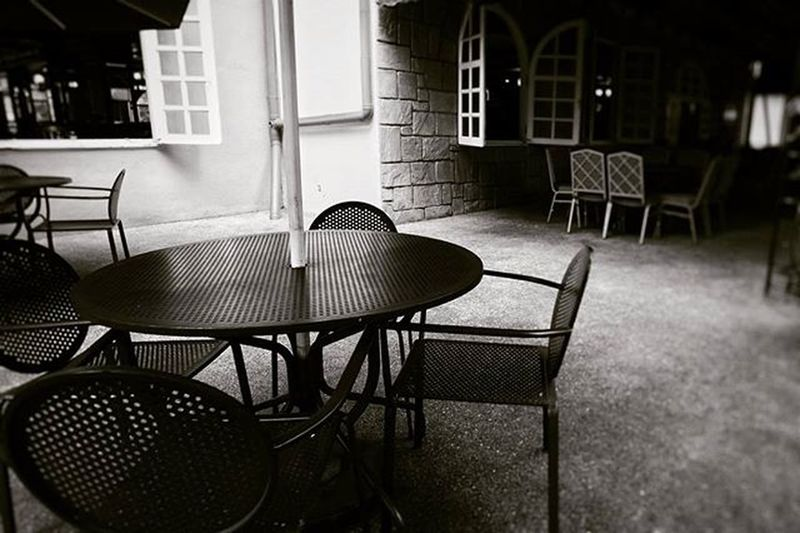 Blackandwhite Nobody Cafe Table Chair 흑백 카페 테이블