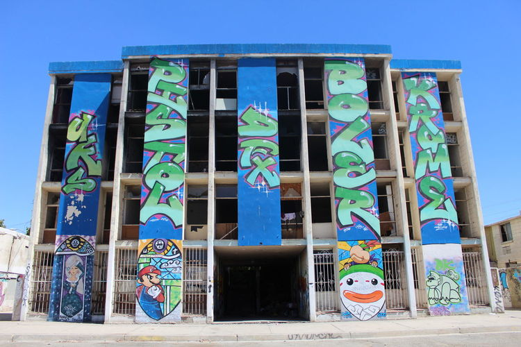 Arte Urbano. Videogames Mariobros Babybowser Politics And Government Clear Sky Blue City Multi Colored Business Finance And Industry Sky Architecture Building Exterior Built Structure Street Art Graffiti Spray Paint Art First Eyeem Photo EyeEmNewHere