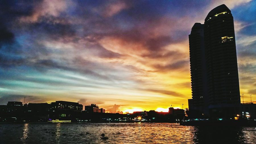 Clouds Sky Outdoors Southern Thailand Southeast Asia ASIA Cityscape Evening Sunset Water City Chaophraya River River Chaophraya Phra Arthit Pier Krung Thep