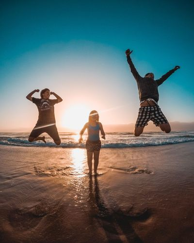 Young Women Water Togetherness Beach Child Happiness Women Sand Men Sea Festival Goer Clear Sky Music Concert Calm Ocean Scenics Single Parent Countryside Tranquil Scene Electricity Tower Palm Frond Snow Covered Tranquility Shore Idyllic Rocky Mountains Tall Horizon Over Water Sunset Waterfront