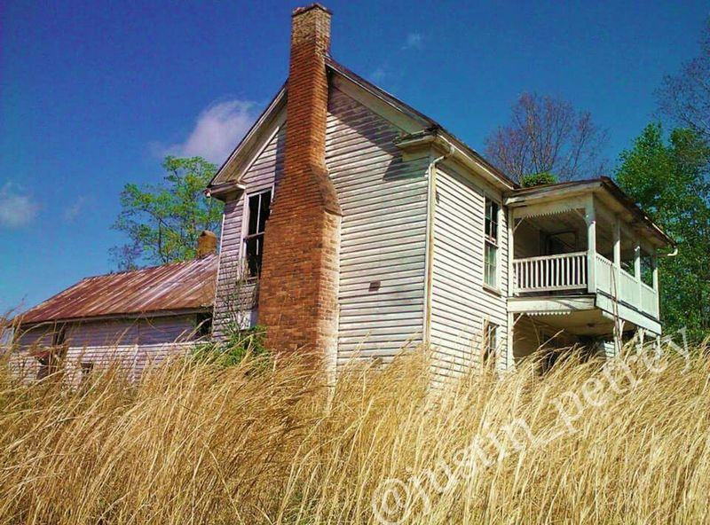 Abandoned Places Abandon_seekers Abandoned Buildings Abandoned Sky Color Explosion Colors Field Fields Old Buildings Old House Farm Farmhouse Farmhouses Old Farmhouse Kentucky  Kentuckynative