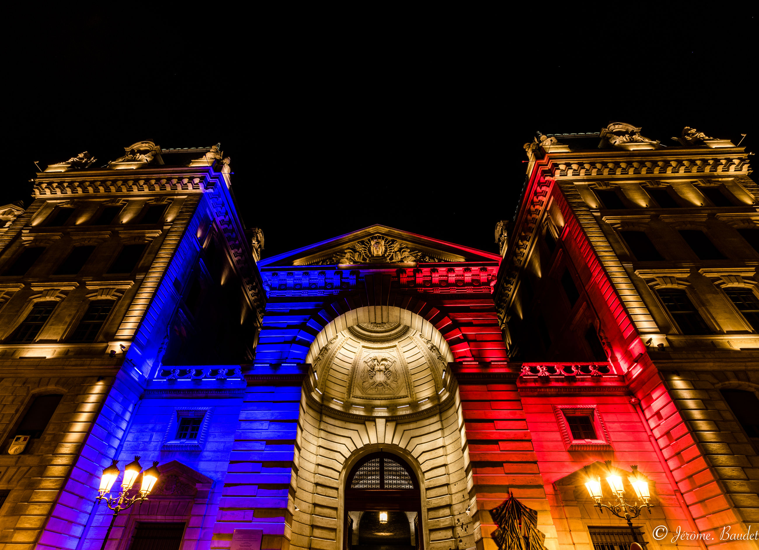 night, architecture, illuminated, building exterior, built structure, low angle view, travel destinations, history, building, the past, sky, no people, travel, tourism, city, nature, outdoors, lighting equipment, facade, government, ornate, luxury