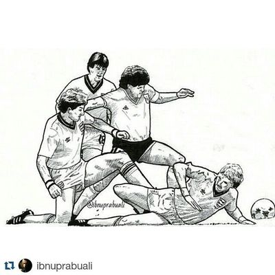 Repost @ibnuprabuali with @repostapp ・・・ Art Illustration Drawing Draw Picture Photography Artist Sketch Sketchbook Paper Pen Pencil Artsy Instaart Gallery Masterpiece Creative Instaartist Graphic Graphics Artoftheday Maradona Diegomaradona Argentina worldcup1986 england worldcup diegoarmandomaradona football