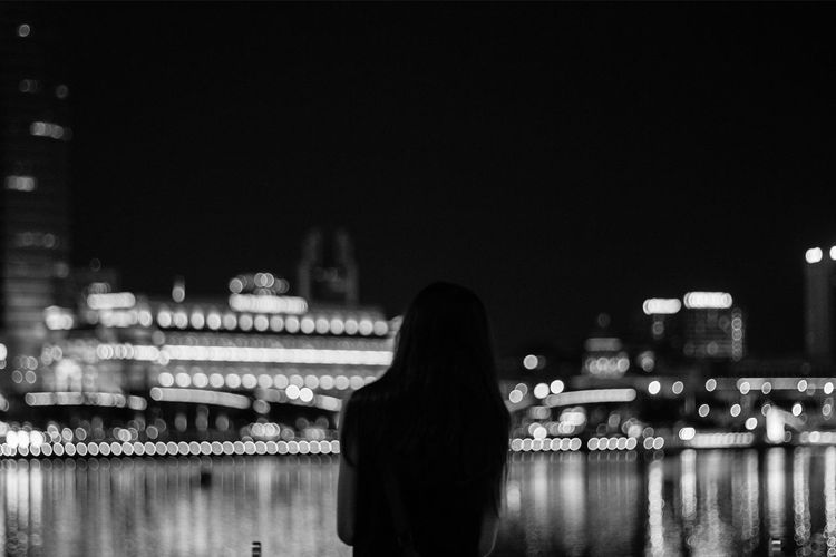 Architecture Black And White Bokeh Canonphotography Focus On Foreground Illuminated In Front Of Leisure Activity Lifestyles Love Night Person Portraits Silhouette Singapore Waist Up Waterfront