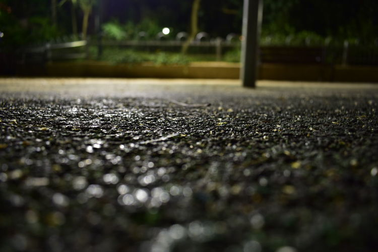 Backround Black Blur Bokeh Dark Darkness Darkness And Light Dirt Dirty Focus On Foreground Green Night Night Owl Not Flat Pavement Pilar Raw Raw Streetphotography Raw Streets Street White Yellow