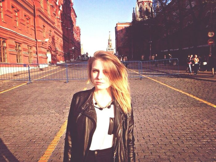 Model Street Fashion Moscow Holiday