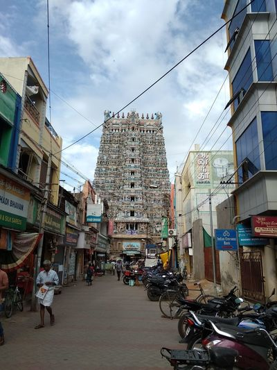 Temple of India Morning Tall Tall - High Structure Stone Old Buildings Colorful City Lane Crowd Temple Entrance Gateway Arch Gate Temple City Market People India Sky Lane Street Market Street Old Man BIG Grand Big Temple World Famous City Street Street Scene Farmer Market Market Vendor