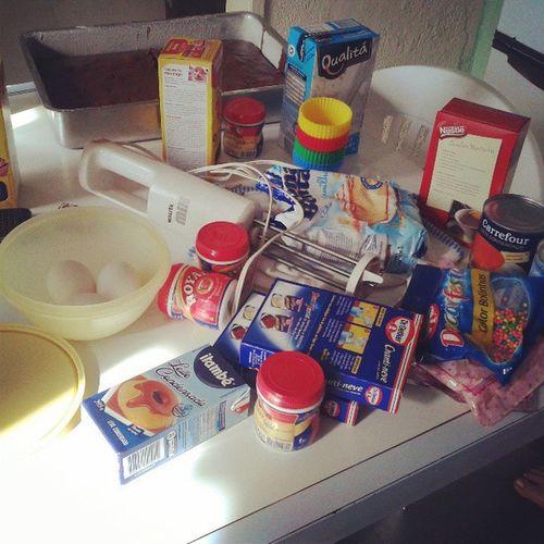 Festa da Inddy ! Bora fazer cupcake *--* @inddymts @franfreiitas Party Inddyparty Cupcake Likeforlike sunday folloowme