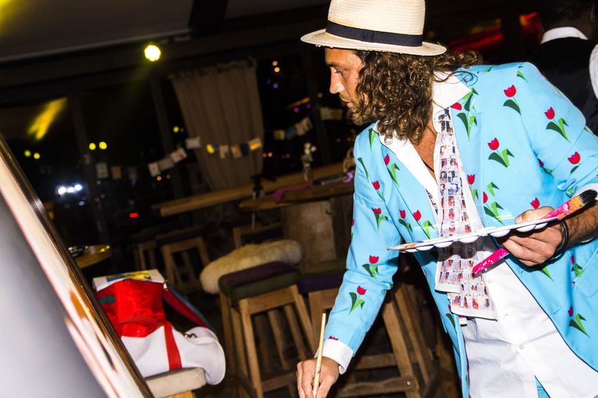 The Million Painter paints a commissional portrait live at Lisa Alm, Flachau (2016) Acrylic Acrylic Painting Artist Artistic ArtWork Colours Dermillionenmaler Hat Nicesuit Paint Philsplash PORTRAITPAINTER Suits  Themillionpainter Tulips