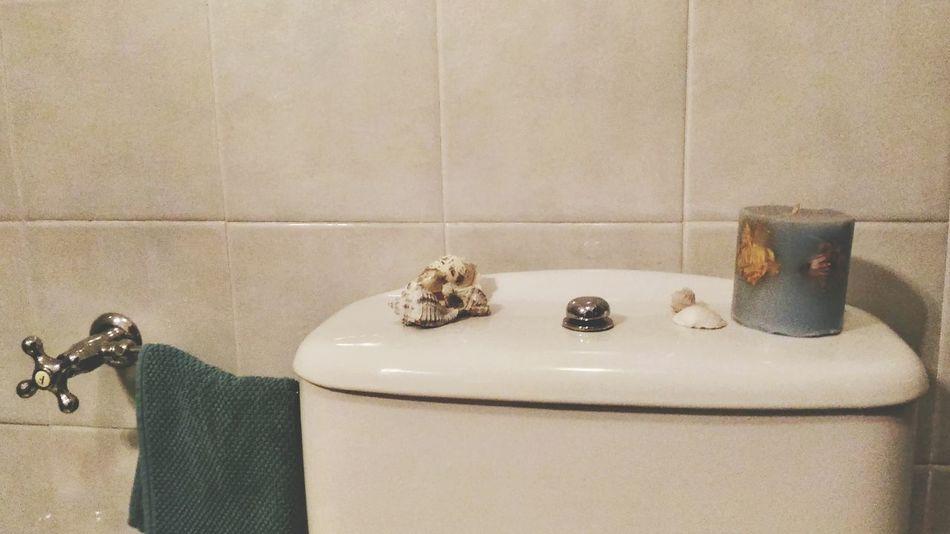 Indoors  Domestic Bathroom No People Bathroom Day Bathroom Sink Hygiene Candle Sea Shells Shells Ceramic
