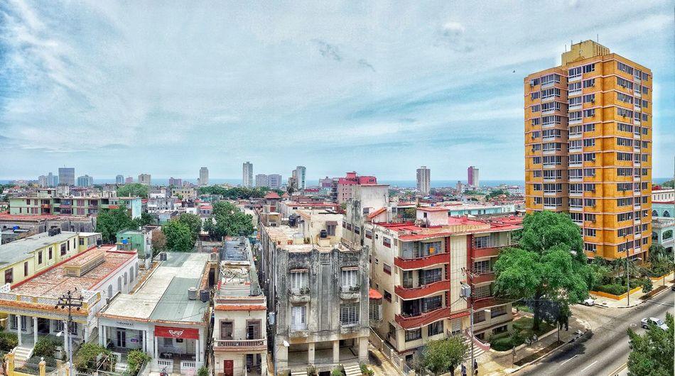 The Street Photographer - 2017 EyeEm Awards Havanna, Cuba Magic City