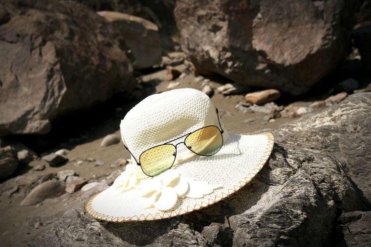 Crazy Me Crazy Moments Randomshot Topi Hat Hanging Out Topiwati Shades Sun Stones River Riverside Rishikesh Rishikeshdiaries Unforgettable ♥