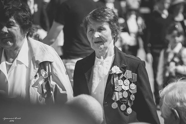 HERO 9may 9мая ДеньПобеды Victoryday Veteransday Veterans Veteran Blackandwhite Black_white Bnw Bw Sunglasses Interview Reportage Woman Medals Celebration Oldwoman Portrait Nikon Nikon_photography_ Photography Photo Instagram