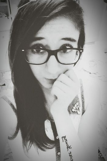 Old Picture 3 Years Ago Peace ✌ Skate Girl Smile ✌ Forever Young Tatto ✌ Tattoo Glasses