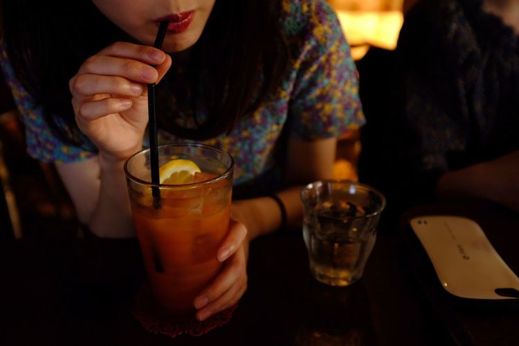Drink Drinking Glass Real People Midsection Food And Drink Refreshment Alcohol One Person Table Drinking Indoors  Freshness Night Happy Hour Close-up Woman Fujix100f Fujifilm_xseries X100f Fujifilm