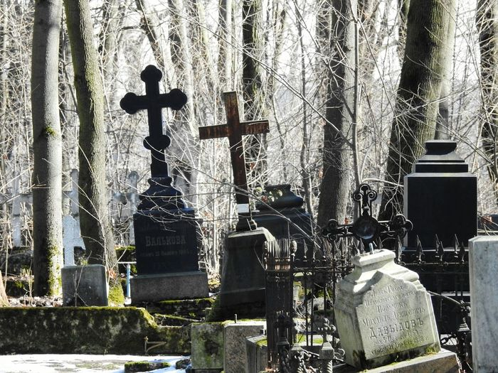 Cemetery Cemetery Old Cemetery Springtime Sunnyday☀️ Sankt-peterburg Colors Of Sankt-Peterburg Sankt-Petersburg Russia Cross Religion Architecture Christianity Death Tomb EyeEmNewHere