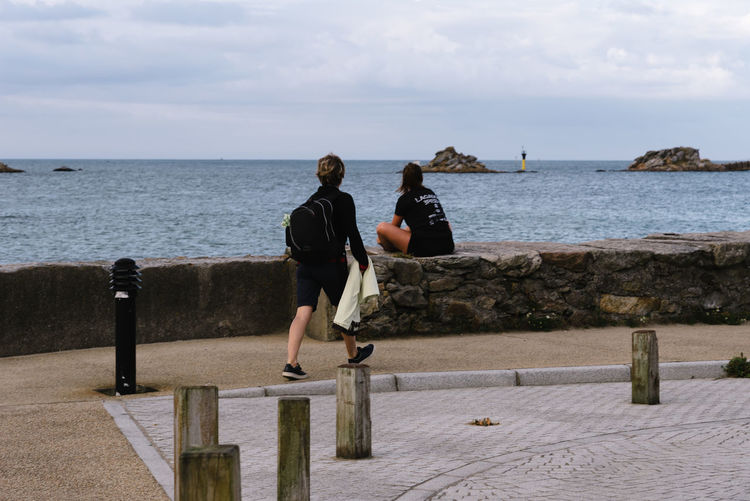 People at waterfront of Roscoff Water Sky Sea Real People Lifestyles Leisure Activity Nature Scenics - Nature Beauty In Nature Day Horizon Horizon Over Water Outdoors Waterfront Roscoff Promenade Cloud - Sky Casual Clothing