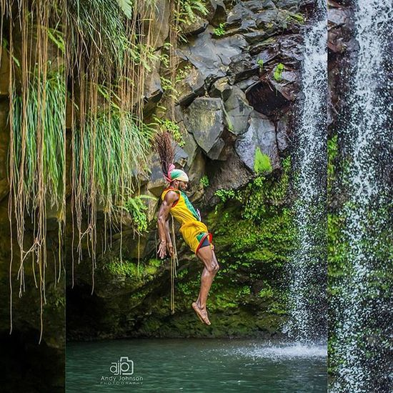 Grenada Ig_grenada IGDaily Loves_caribbeansea ChasingWaterfalls Andyjohnsonphotography Amazingphotohunter Ig_captures_people Outdoors Livefunner Uncoveryours Theglobewanderer CliffJumping